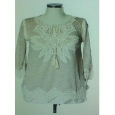 CROCHET TRIMMED V-NECK TOP W/FLORAL EMBROIDERY - BROWN